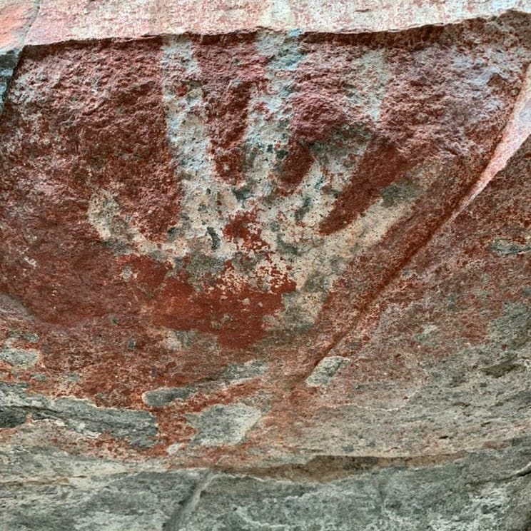 petroglifos y pinturas rupestres
